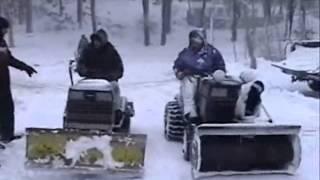 getlinkyoutube.com-Tractor plowing Snow lawn mower movie