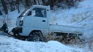 getlinkyoutube.com-Suzuki Carry Mini Truck getting stuck Part #1