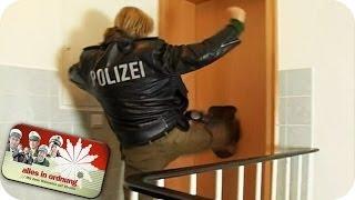 getlinkyoutube.com-Polizei tritt Tür ein und stürmt Wohnung | Alles In Ordnung
