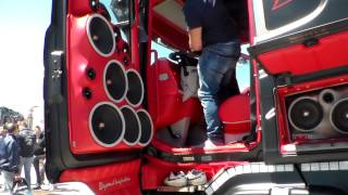 getlinkyoutube.com-Scania Absolute F.lli Acconcia (impianto stereo) parte 2 (HD)