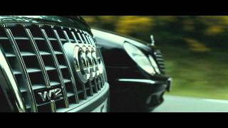 getlinkyoutube.com-TRANSPORTER 3 - Audi A8 vs. Mercedes E-class [HD]