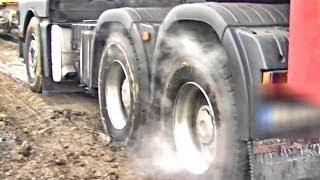 getlinkyoutube.com-MAN 6x4 Stucked -  Smoking Tires...