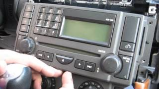 getlinkyoutube.com-How to Remove Radio / CD Changer from Range Rover 2006 for Repair.