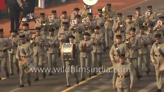 getlinkyoutube.com-French Army soldiers march in India, at Republic Day 2016!