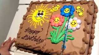 getlinkyoutube.com-【コストコ】の大きなケーキを開封して切ってみました。