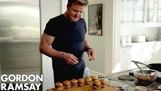 getlinkyoutube.com-Gordon Ramsay's Pork Butt Sliders