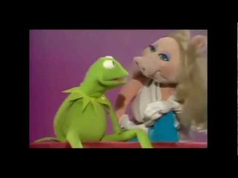 Taylor Swift - I Knew You Were Trouble - Miss Piggy Edition (No Goats)