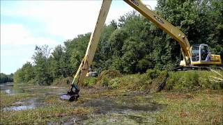 getlinkyoutube.com-Long Reach Excavator Dredging Canal