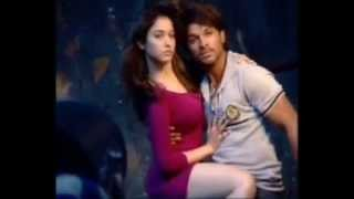 Hot Chemistry between Allu Arjun and Tamanna - Romantic Poses for South Scope