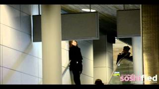 getlinkyoutube.com-[FANCAM][120207] TaeYeon and Jessica in Paris CDG Airport
