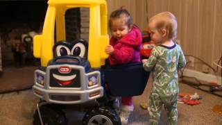 getlinkyoutube.com-Levi and Aubree in a Cozy Truck