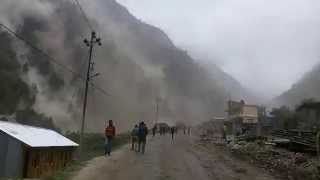 getlinkyoutube.com-Rasuwa Gadhi Massive Earthquake and Landslide Footage Live  | May 12, 2015 | Earthquake Nepal 2072