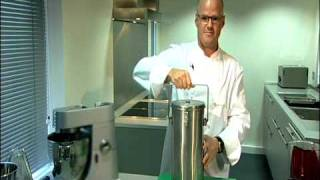 getlinkyoutube.com-Chef Heston Blumenthal - Fizzy Blackcurrant Sorbet - ...