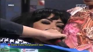 getlinkyoutube.com-Payudara JUPE Di Pegang Ketika Di Hipnotis ( 14 Januari 2016 )