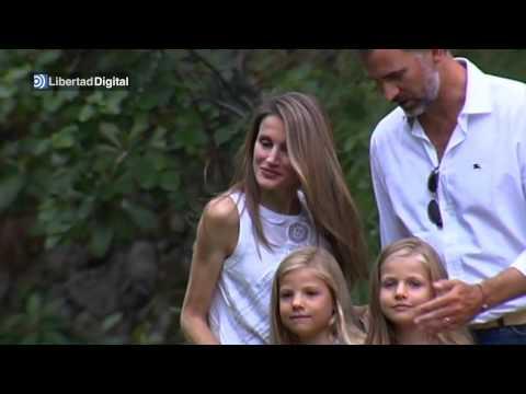 Los Príncipes de Asturias y sus hijas posan en Mallorca