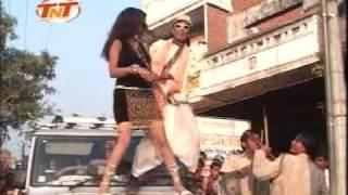 getlinkyoutube.com-HUM HAIN BANARES KE BHAIYA