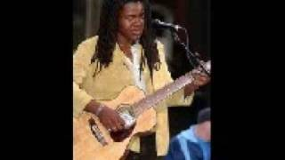 getlinkyoutube.com-Ain't no sunshine - Tracy Chapman & Buddy Guy