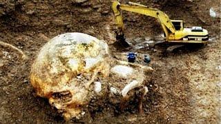 getlinkyoutube.com-7 Farklı Mezarlıkta Bulunan Dev İnsan İskeletleri