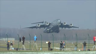 [HD] USAF Boeing C-17 Globemaster powerful takeoff at Zurich Airport - 23/01/2016 width=