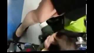 getlinkyoutube.com-طفل يلعب باقدام امرأة قد يظنه البعض تحرش