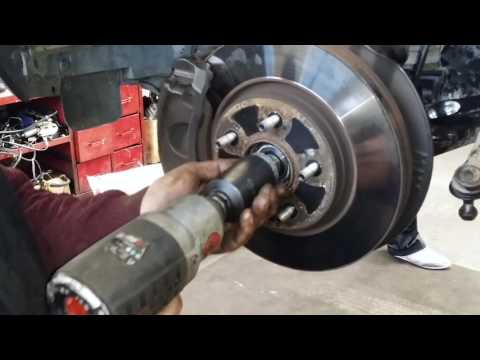 Замена Амортизатора. Change of shock absorbers. Honda CR-V 3.