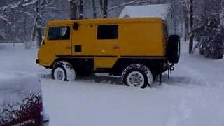getlinkyoutube.com-Pinzgauer 710K in deep snow