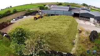 getlinkyoutube.com-What makes a great Silage loader Driver