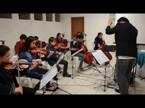 Orquestra Sinfonia de Talentos na formatura do DTIS