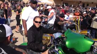 getlinkyoutube.com-Charlie Hunnam riding a motorcycle