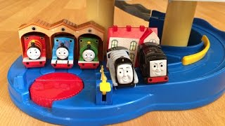 getlinkyoutube.com-Thomas and Friends Toy Trains Percy, Spencer, James, Diesel in a Play set