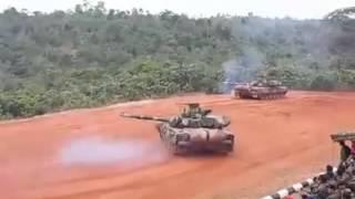 getlinkyoutube.com-PT-91 Perdekar tanks Malaysia Army