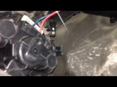Снятие и установка вентиляторя печки Nissan Micra Note.