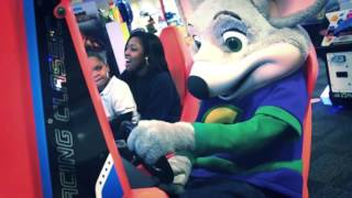 getlinkyoutube.com-All I want for christmas (Chuck E Cheese) | Andreasha Stewart and Patriice