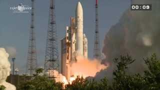 getlinkyoutube.com-Décollage Ariane 5 vol 215 - 29/08/2013