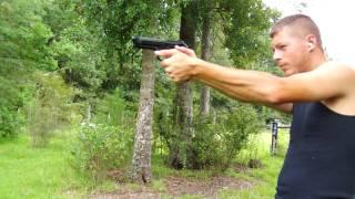 shooting the Beretta 92FS