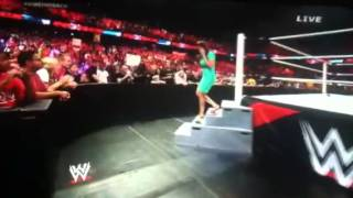 Stephanie McMahon pees in her dress! PAYBACK 2014