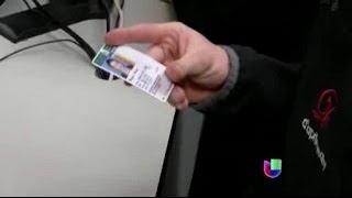 getlinkyoutube.com-Los indocumentados en Illinois podrán obtener sus licencias en 2014 -- Noticiero Univisión