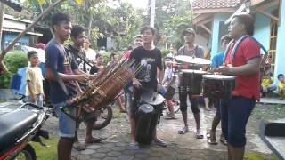 getlinkyoutube.com-Traditional Music in Indonesia Hanoman / Anoman Obong - Kentongan in Ledug Village Banyumas Regency