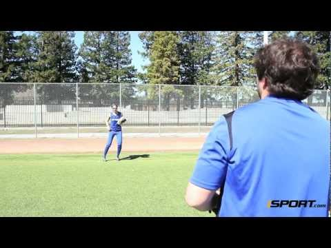 How to Play the Outfield Fence in Softball