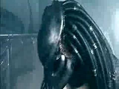 Alien Vs Predator (Shower)