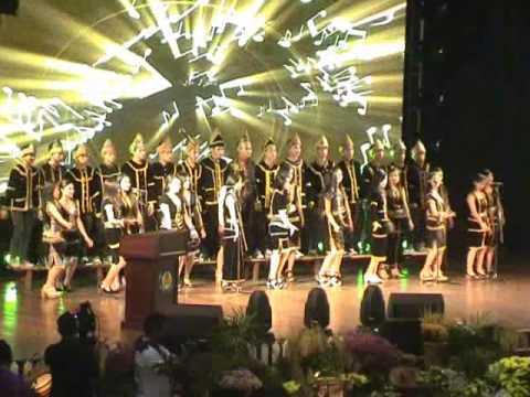 Persembahan Koir daripada SMK Nambayan Tambunan
