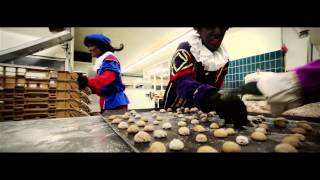 De Zeeuwse Sinterklaasfilm - Paniek in de Pepernoten fabriek!