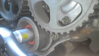 getlinkyoutube.com-Changement courroie de distribution moteur ISUZU 1.7 D   Opel corsa