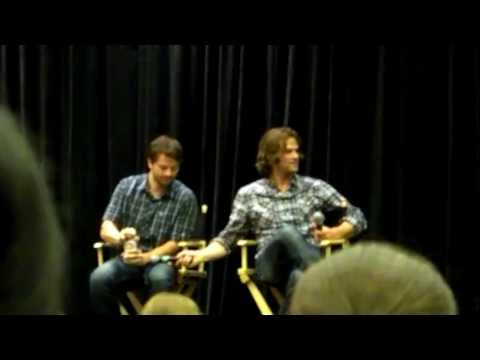 Jared and Misha stealing each other's microphones