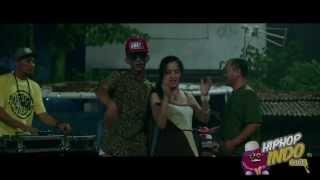 getlinkyoutube.com-Young Lex ft Iwa k - Ini Gaya Gue - Hip hop Indonesia 2013