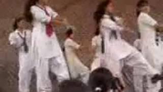 punjab university girls dance(sarki jo sar se wo dhere dhere)