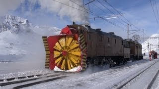 getlinkyoutube.com-Dampfschneeschleuder  Xrot d 9213 und Bernina Krokodil Snow Plowing - steam, Zug, trainfart, train