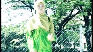 getlinkyoutube.com-Acik Spin & Siti Nordiana - Mainan Cinta (Official Music Video)