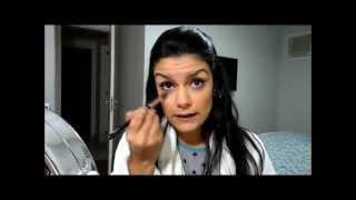 Tosqueira do dia: Reaproveitando a maquiagem do trabalho (aplicação de sombra, delineador, etc.)