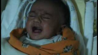 getlinkyoutube.com-New born baby doing Zikr Allah during Crying